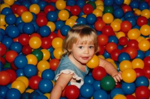 Baby_in_ball_pit